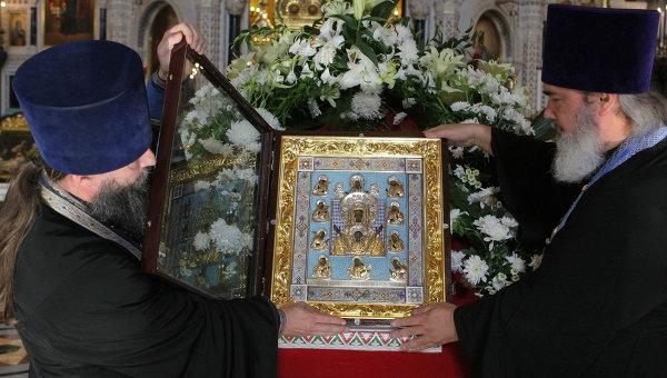 Чудотворната Курско-коренна икона на Божията Майка пристигна в Курск