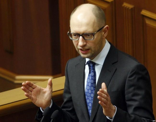 Яценюк: Западът не трябва веднага да отменя санкциите срещу Русия, ако бъде постигнат мир в Донбас