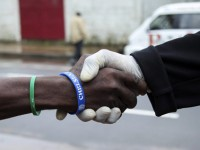 Руска ваксина срещу Ебола премина успешно тестовете