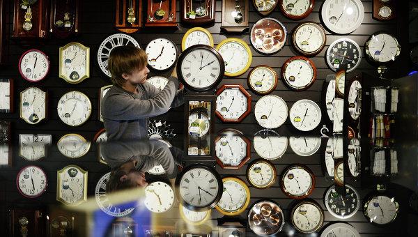 Русия премина окончателно към зимното часово време