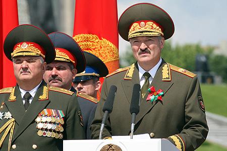 Лукашенко е готов да изпрати армия в Украйна