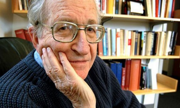 Ноам Чомски: САЩ провали България, отстоявайте независимостта си!