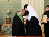 Патриарх Кирил награди с орден предстоятеля на Украинската църква