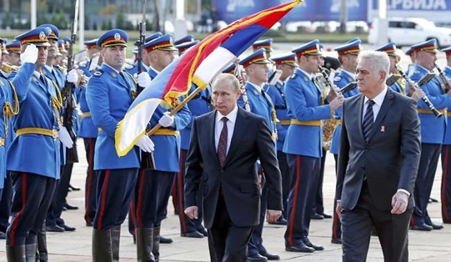 В Белград тържествено посрещнаха Путин