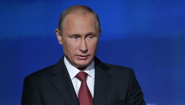 """Путин изрази съболезнования във връзка с гибелта на директора на """"Тотал"""""""