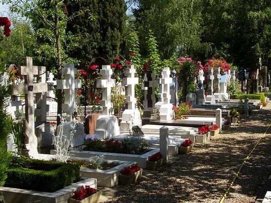 Русия ще плати руските гробове на гробището Сент Женевиев де Боа в Париж