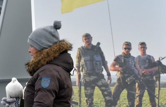 Украйна гласува днес за нов парламент, Порошенко зове: Избирайте по съвест!