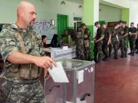 Отвличания, побои и оръжия – изборите в Украйна