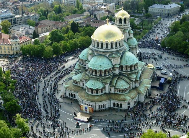 """""""Ал. Невски"""" стана на църквата"""