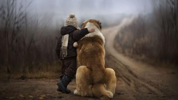 Руска фотографка прави уютни и трогателни снимки на децата си
