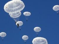 """Руските десантчици впечатлиха сръбските си колеги с парашути от нов тип """"Арбалет -2"""""""