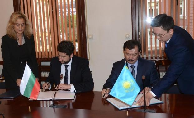 България се договори с Казахстан за правна помощ и екстрадиция
