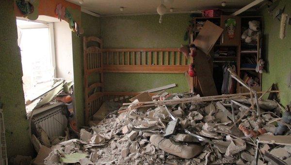 Един загинал и осем ранени при обстрел на Донецк