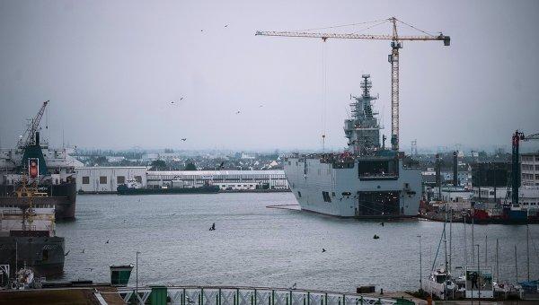 """Френският президент отложи доставката за Русия на първия """"Мистрал"""""""