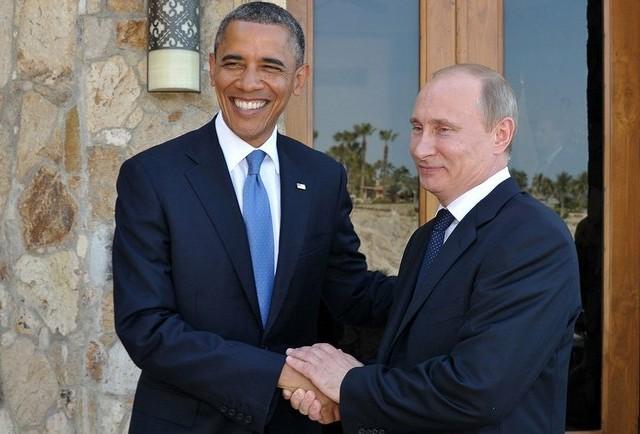 Путин поздрави Обама и Меркел за Нова година