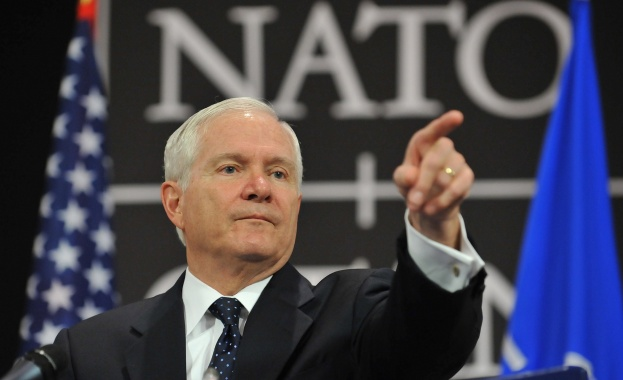 """Бързото поглъщане на България, Румъния и останалите бивши съветски републики е било грешка, заявява Робърт Гейтс – бивш министър на отбраната на САЩ в книгата си """"Дълг"""""""