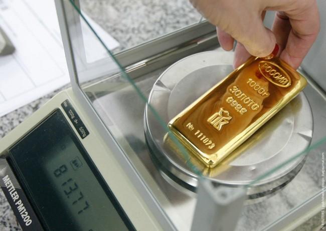 Русия продължава да купува злато