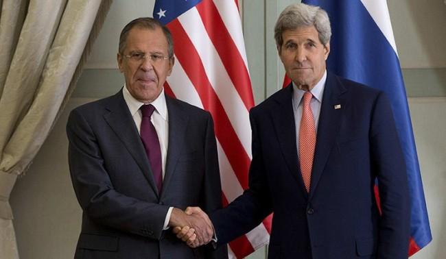 """Лавров попита Кери защо СNN не показва """"руските войски в Украйна"""""""