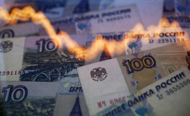 Курсът на еврото премина 100 рубли