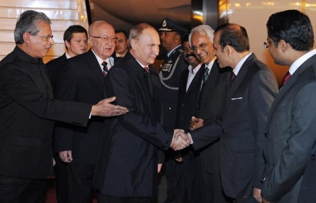 Русия и Индия се споразумяха за по-широкото използване на националните валути при взаимните плащания