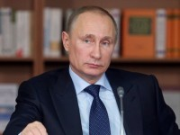 Путин замрази заплатите на чиновниците