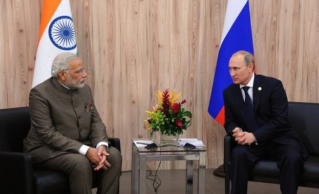 Путин пристига на посещение в Индия