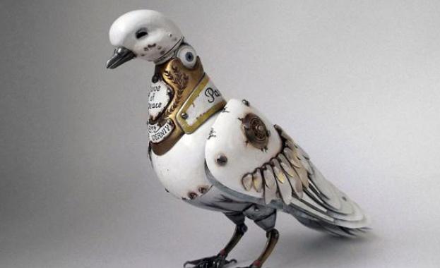 Руски художник създава стиймпънк скулптури от стари автомобилни части, часовници и електроника