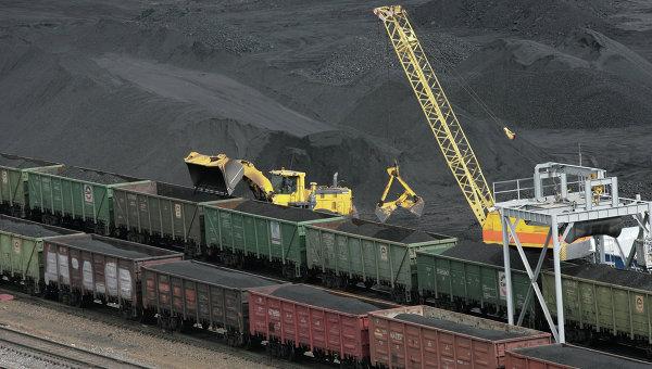 Украйна поднови частично вноса на въглища от Русия