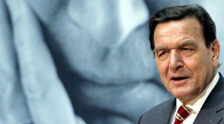 """Бившият канцлер на Германия назова две основни причини за спирането на """"Южен поток"""""""
