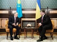 Нурсултан Назарбаев се срещна с Порошенко