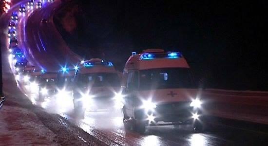 """Колони от """"Бърза помощ"""" с ранени прииждат в Киев"""