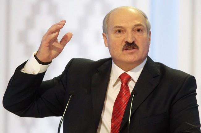 Лукашенко хич не обича парите