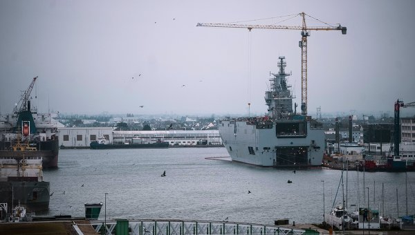 """Русия официално пита Франция за причините, поради които отказва да достави """"Мистрал"""""""