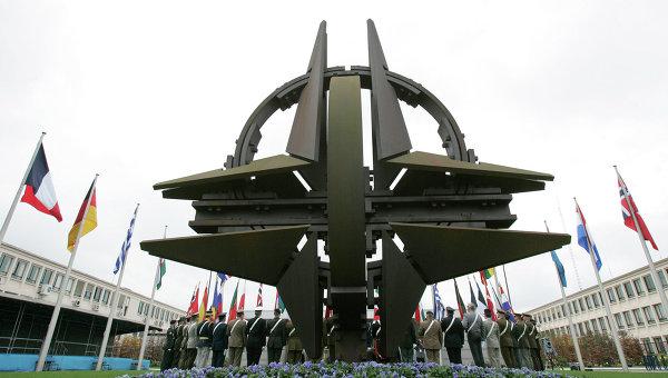 Мексиканският La Razon: След напускането на Афганистан, НАТО се насочи към Русия