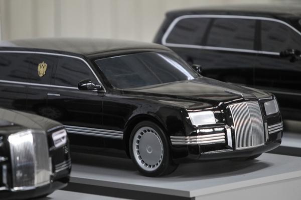 Путин ще се вози в 6-тонна лимузина