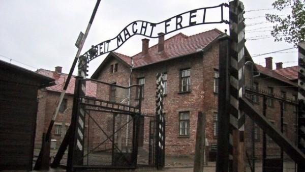 Европа почита днес 70-години от освобождаването на Освиенцим, но без да покани освободителя