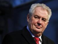Яценюк е премиер на войната, обяви чешкият президент Земан