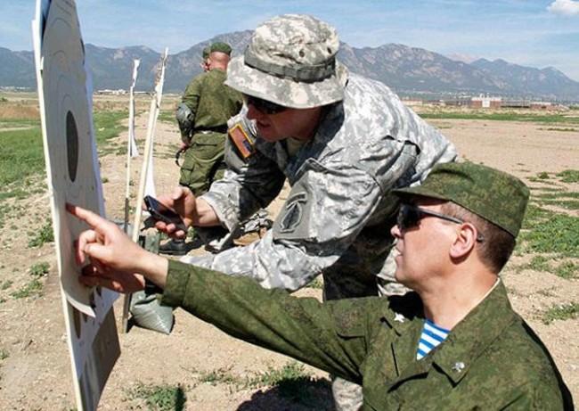 САЩ прати военни инструктори в Украйна