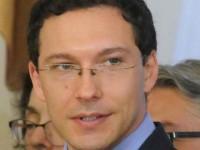 Даниел Митов в истерия, заплашва протестиращите срещу НАТО