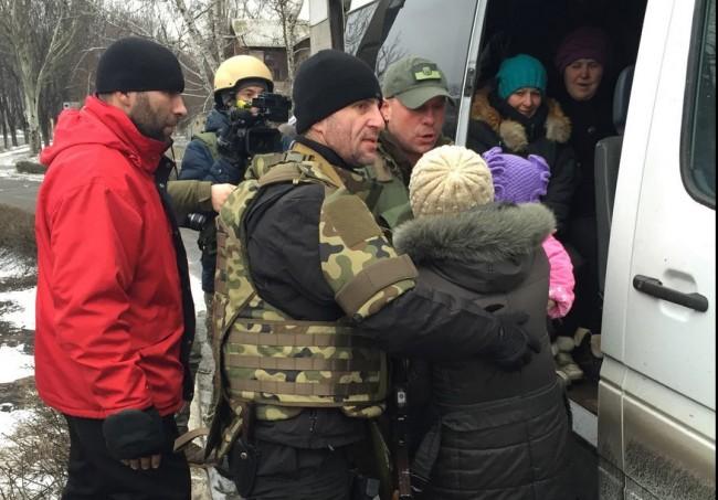 Украинската армия осуетява евакуацията на мирното население в Дебалцево