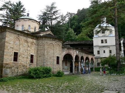 До 60 бесарабски българи може да приеме Троянският манастир