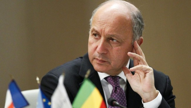 Франция няма да изпраща военни инструктори и оръжия в Украйна