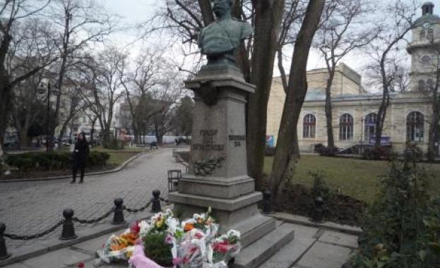 Посланикът на Русия ще поднесе цветя пред паметника на граф Игнатиев в София