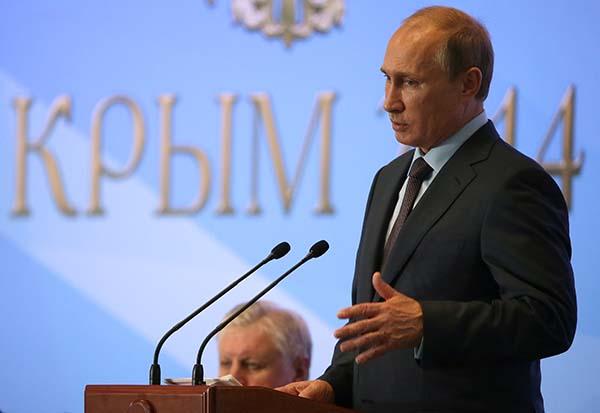 Путин призова да се противодейства на опитите за фалшифициране на историята