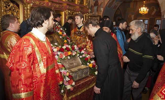 За пет дни пред мощите на Свети Димитър Солунски в Москва се поклониха повече от 20 хил. вярващи