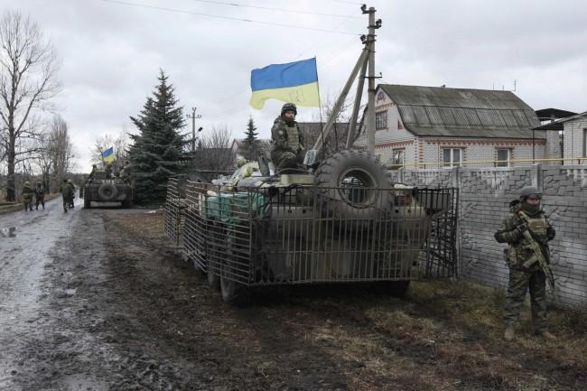Украинските военни в опити да излязат от обкръжението в Дебалцево