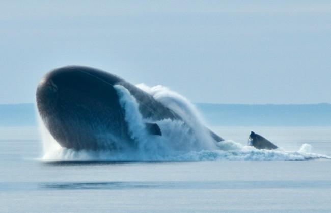 Шойгу: Руските подводници от новите проекти ще отработват действия в Арктика