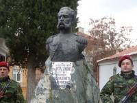Паметник на генерал Виктор Дандевил в Асеновград