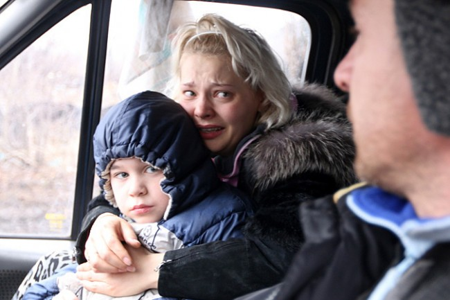 В Дебалцево отвориха хуманитарен коридор