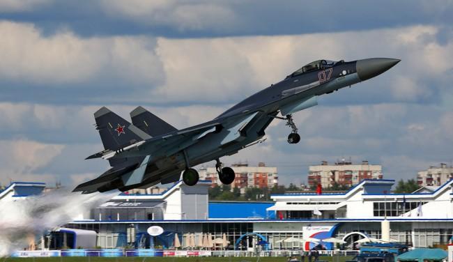 Руски Су-35 заменят остарелите американски F-5 във ВВС на Индонезия